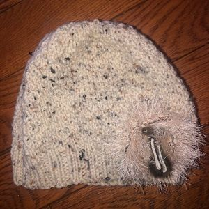 NWOT Toque with sealskin detail
